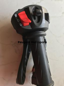 Peugeot Metropolis Gasdrehgriff